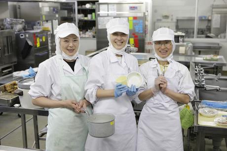 未経験者も経験者も歓迎!より美味しい給食づくりを目指せます。給食調理業務に挑戦してみませんか?